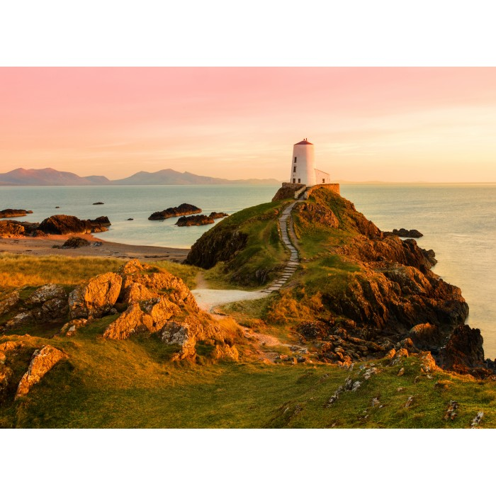 grafika-old-lighthouse-at-llanddwyn-island-anglesey
